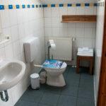 Eigenes Badsezimmer des Homestay-Zimmer 2 im CoWorking Schlei